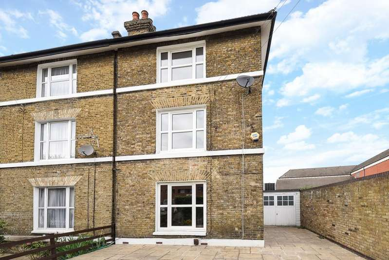 4 Bedrooms Semi Detached House for sale in Taunton Road Lee SE12