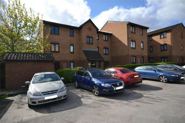 1 Bedroom Flat for sale in Pempath Place, WEMBLEY, Middlesex