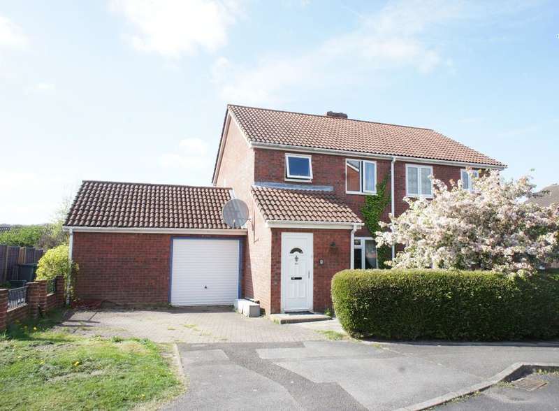 3 Bedrooms Semi Detached House for sale in Lennon Way, Brighton Hill, Basingstoke, Hampshire, RG22 4NY