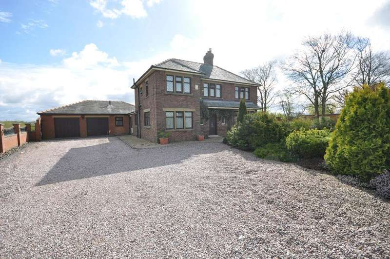 4 Bedrooms Detached House for sale in Freckleton Road, Kirkham, Preston, Lancashire, PR4 3RB