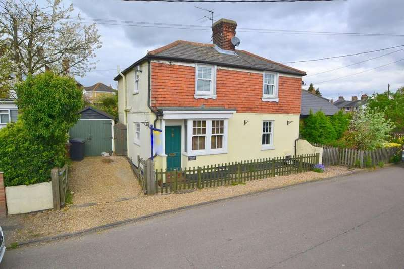 4 Bedrooms Cottage House for sale in Well Lane, Galleywood