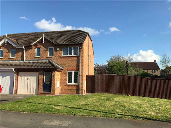 3 Bedrooms Semi Detached House for sale in CLEMATIS AVENUE, HEALING, GRIMSBY