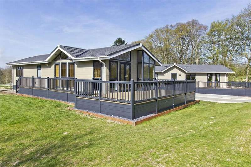 Park Home Mobile Home for sale in Lewes Road, Blackboys, UCKFIELD, East Sussex