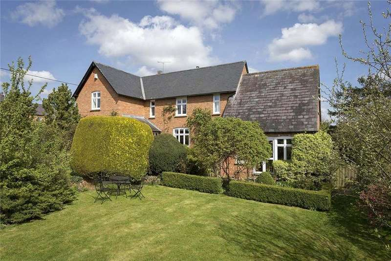 4 Bedrooms Detached House for sale in Station Road, Bledington, Chipping Norton, Gloucestershire, OX7