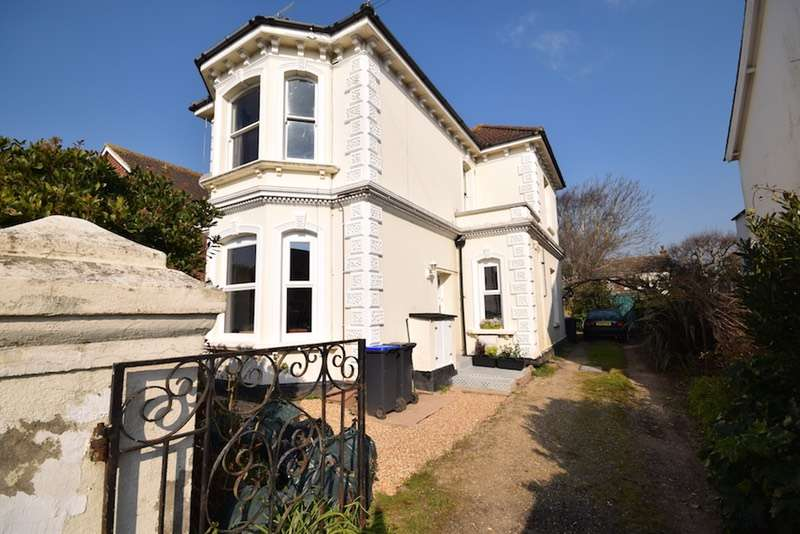 1 Bedroom Flat for sale in Canterbury Road, Worthing, Sussex, BN13