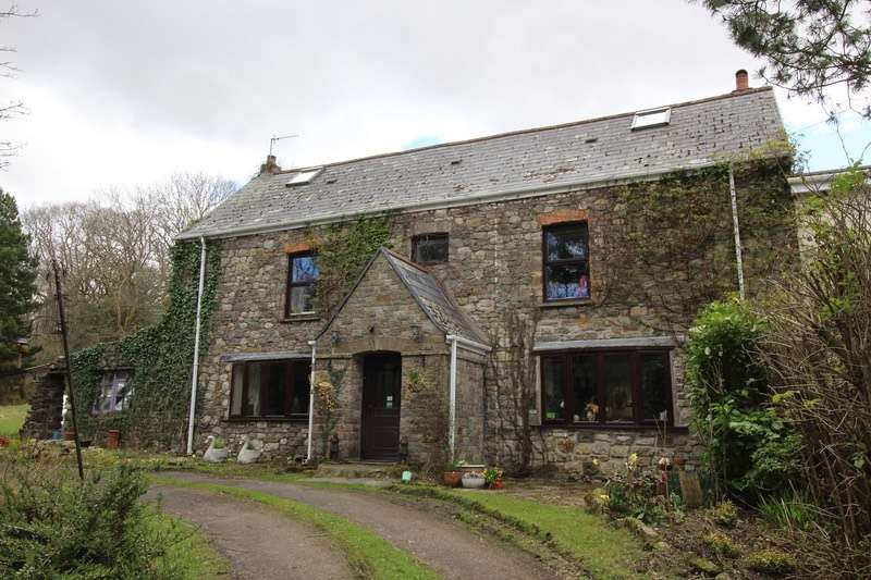 4 Bedrooms Semi Detached House for sale in Llundainfach, Swansea, Powys, SA9