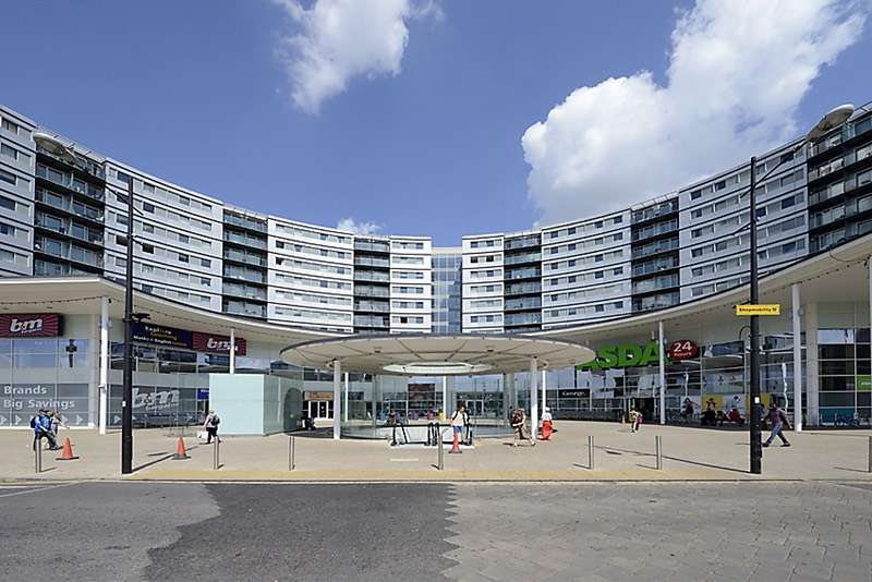 2 Bedrooms Flat for sale in Prince Regent Road, Hounslow, London, TW3