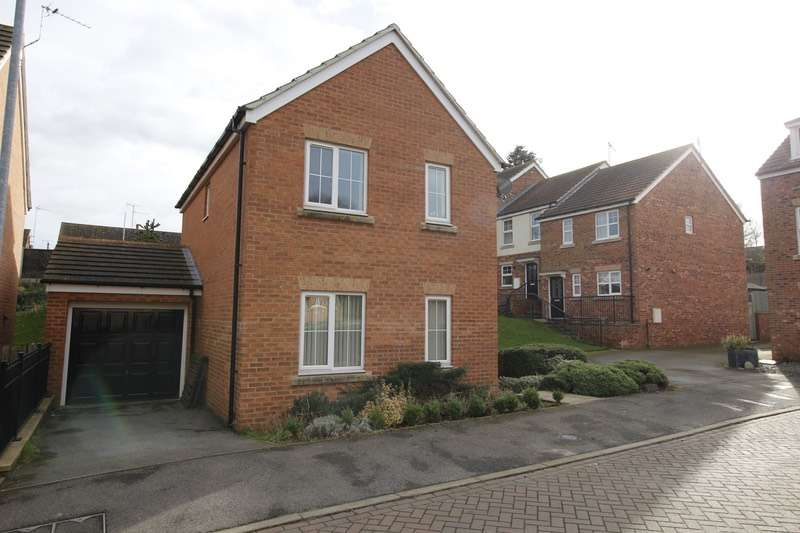 3 Bedrooms Detached House for sale in Oak Drive, Barton Upon Humber, Lincolnshire, DN18