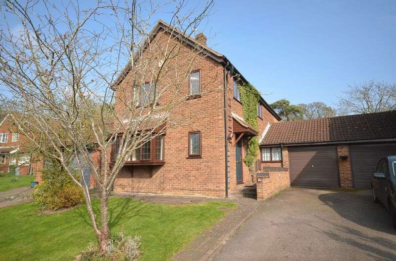 4 Bedrooms Detached House for sale in Thorpe st Andrew, Norwich
