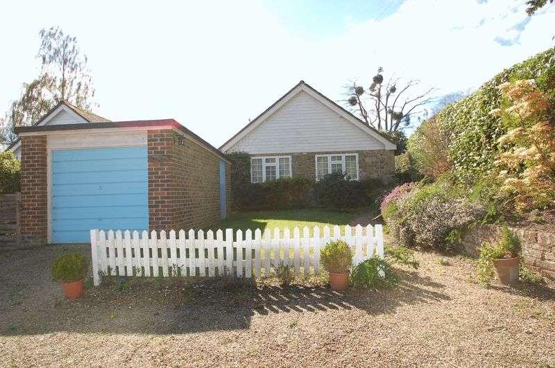 3 Bedrooms Detached Bungalow for sale in Fyning Lane, Rogate, Petersfield