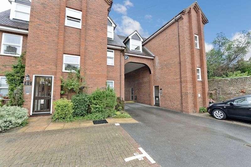 1 Bedroom Retirement Property for sale in Chestnut House, Blandford Forum, DT11 7DU