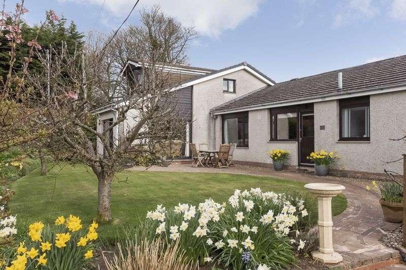 6 Bedrooms Detached Bungalow for sale in Cartland View, Lanark