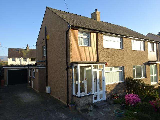 3 Bedrooms Detached House for sale in Y RHOS, BANGOR LL57