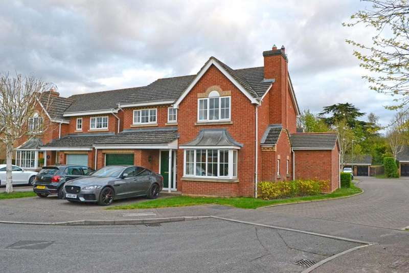 4 Bedrooms Detached House for sale in Hickman Close, Broxbourne, Broxbourne EN10