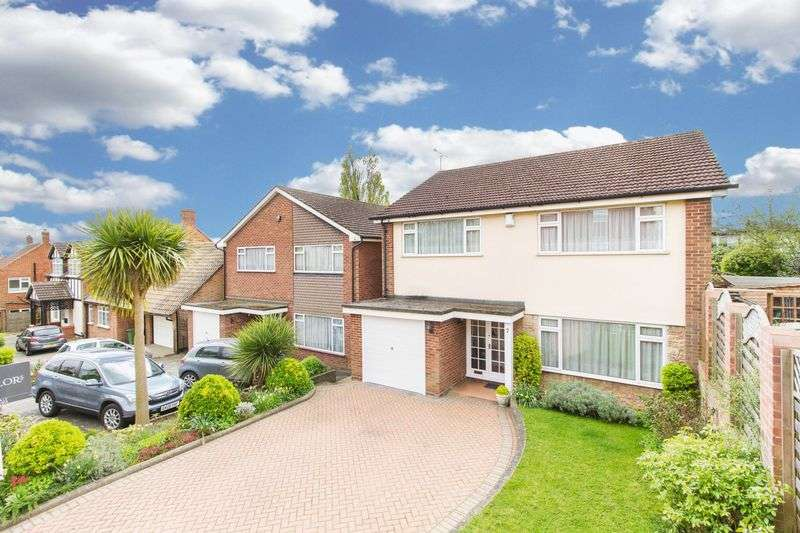 4 Bedrooms Detached House for sale in Burlington Place, Woodford Green