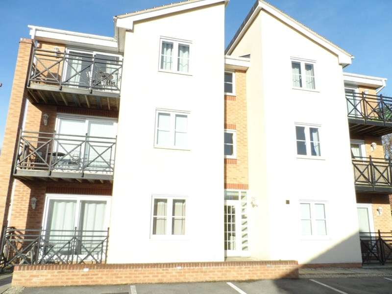 1 Bedroom Flat for sale in Cherry Tree Walk, Knottingley
