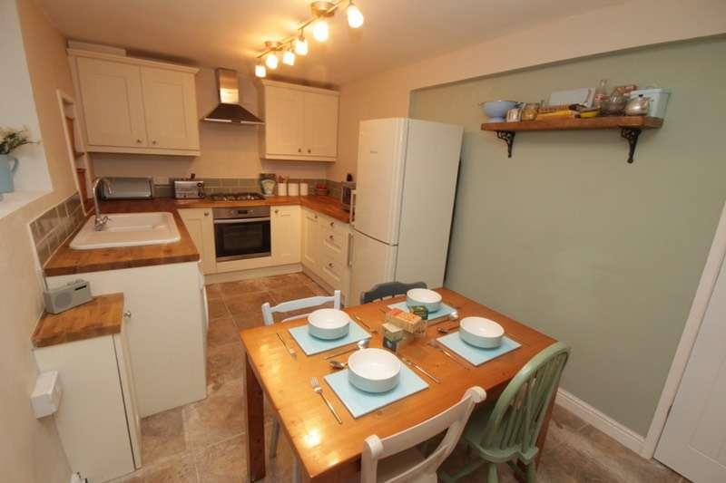 2 Bedrooms Cottage House for sale in Tan y Gwalia, Denbigh, Denbighshire, LL16