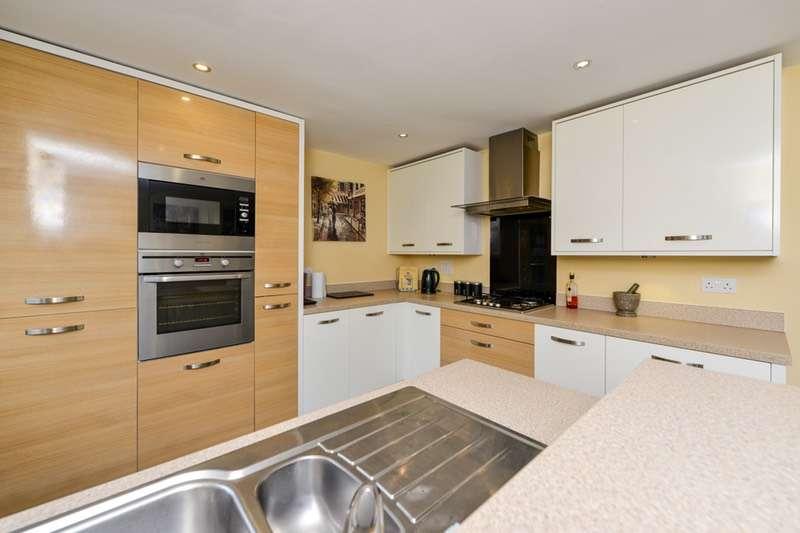 4 Bedrooms Detached House for sale in Windward Avenue, Fleetwood, Lancashire, FY7