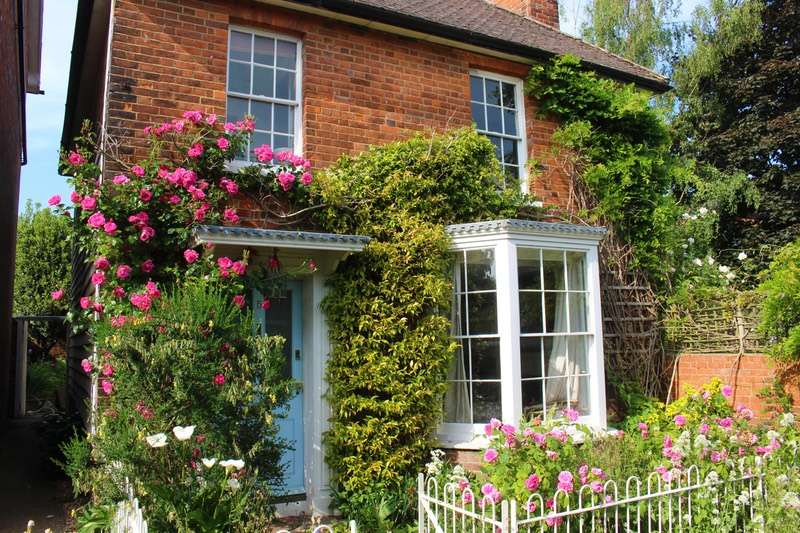 3 Bedrooms Detached House for sale in Charlton Terrace, Tonbridge, Kent, TN9