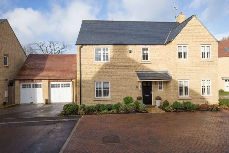 5 Bedrooms Detached House for sale in Stirling Way, Moreton-in-Marsh, Gloucestershire, GL56