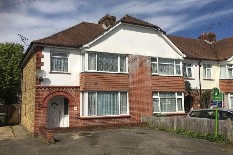 3 Bedrooms Property for sale in Woodville Road, Maidstone, ME15