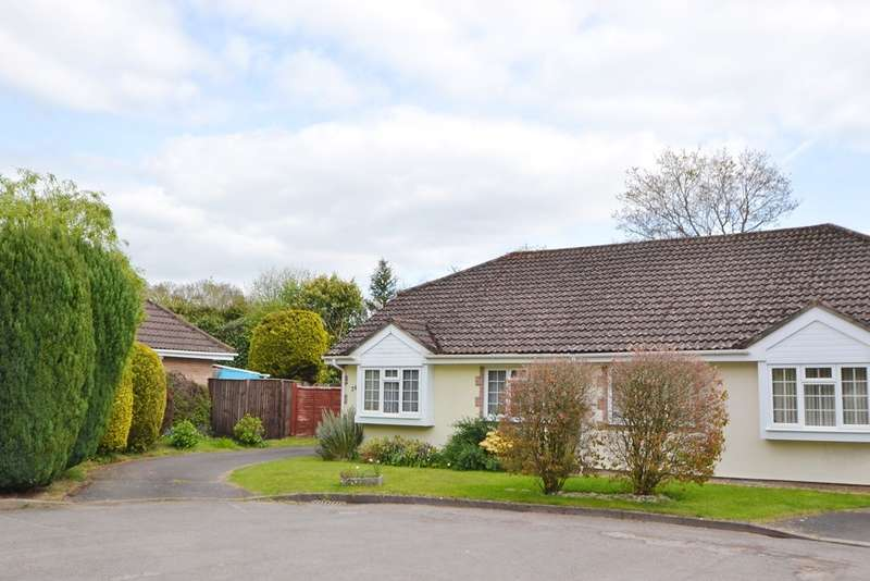 2 Bedrooms Bungalow for sale in Verwood