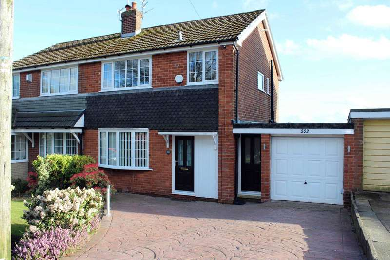 3 Bedrooms Semi Detached House for sale in Red Lane, Breightmet