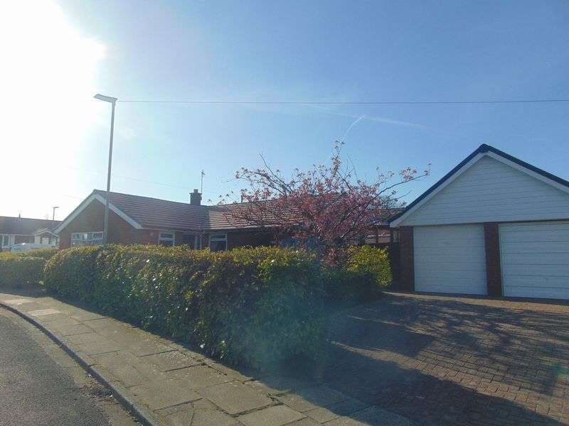 3 Bedrooms Detached Bungalow for sale in Blackrod Drive, Seddons Farm,Bury - Detached True Bungalow
