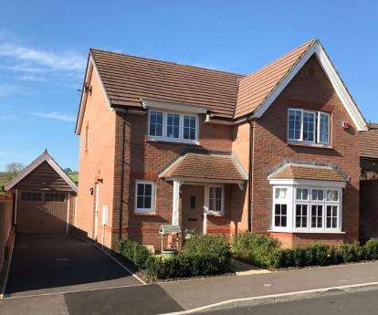 4 Bedrooms Detached House for sale in Chard, Somerset, Uk
