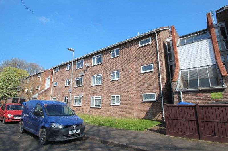 2 Bedrooms Flat for sale in Russell Street, Norwich