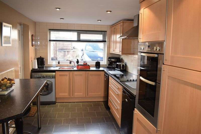 3 Bedrooms Terraced House for sale in Kingsway, Rochdale