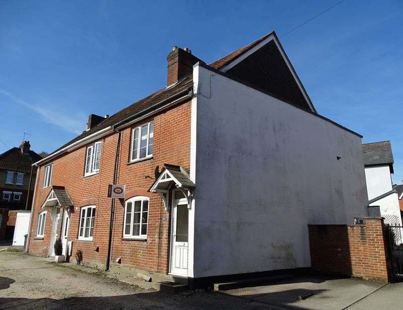 3 Bedrooms Semi Detached House for sale in Old Street, Harnham