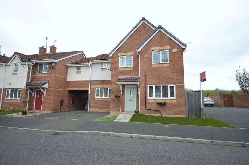 3 Bedrooms Semi Detached House for sale in Bellflower Close, Widnes