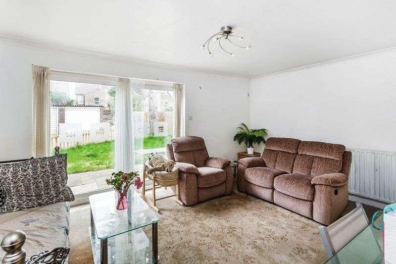 2 Bedrooms Flat for sale in Vincent Road, CROYDON
