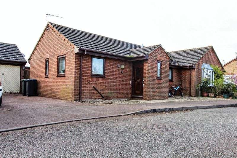 2 Bedrooms Semi Detached Bungalow for sale in Chestnut Drive, Soham