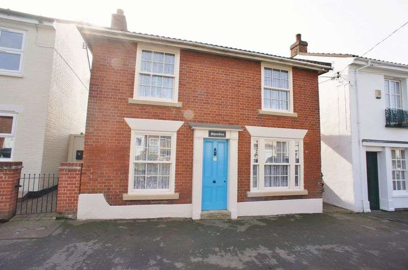 3 Bedrooms Detached House for sale in High Street, Brightlingsea
