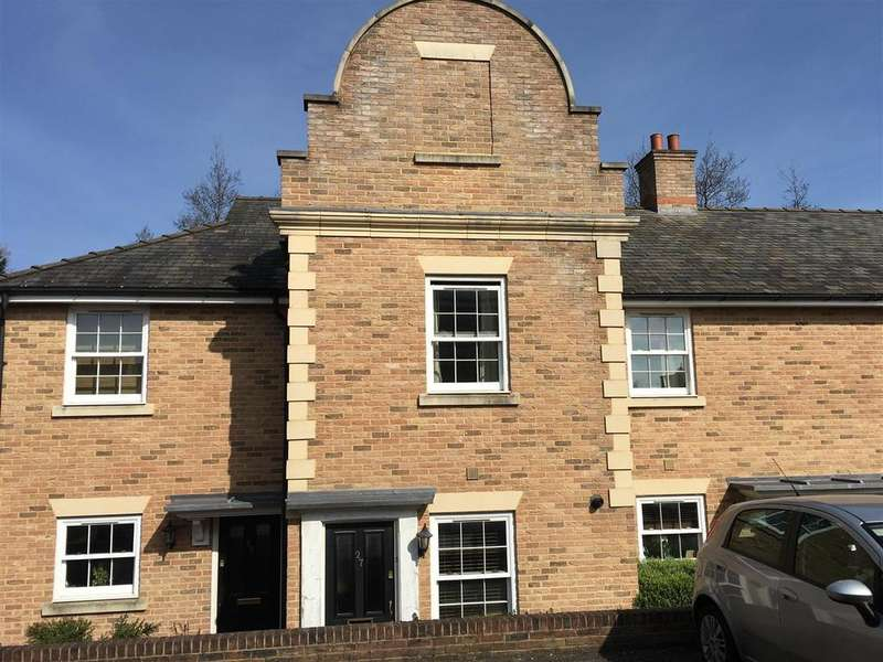 2 Bedrooms Terraced House for sale in Cobb Close