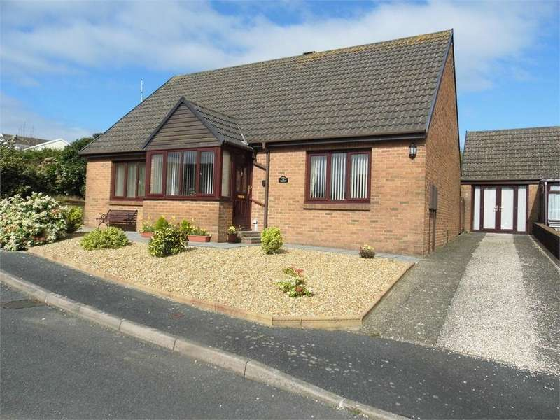 2 Bedrooms Detached Bungalow for sale in Ropeyard Close, Fishguard, Pembrokeshire