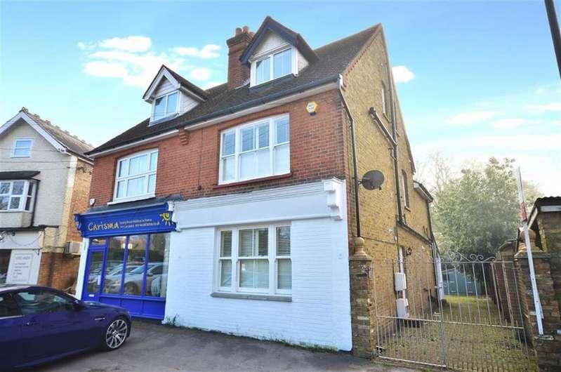4 Bedrooms Semi Detached House for sale in Heronsgate Road, Chorleywood, Hertfordshire