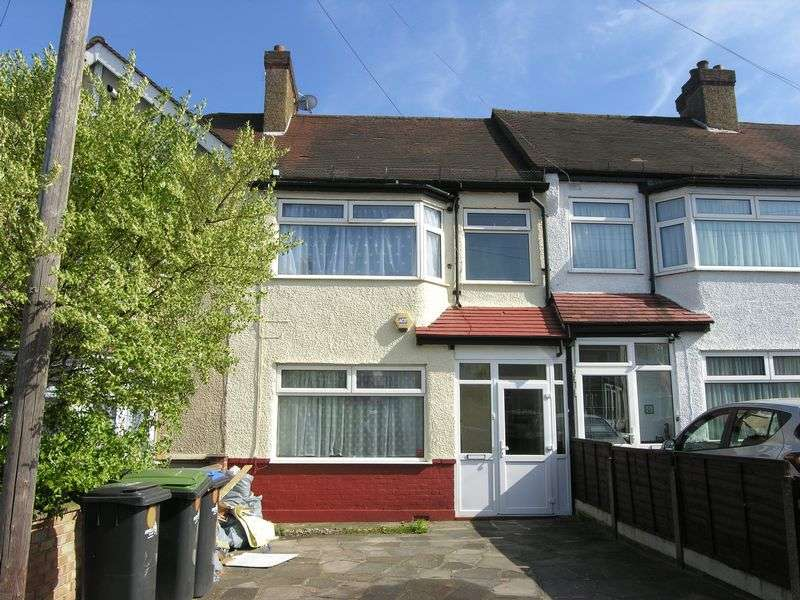 3 Bedrooms Terraced House for sale in Empire Estate, N18