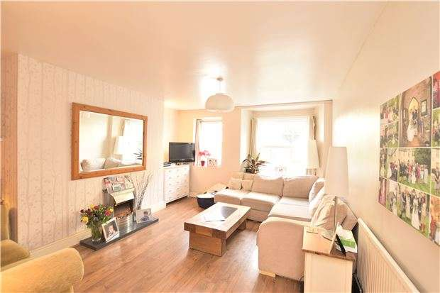 2 Bedrooms Flat for sale in Westbourne Villas, Westbourne Place, Clifton, Bristol, BS8 1RY