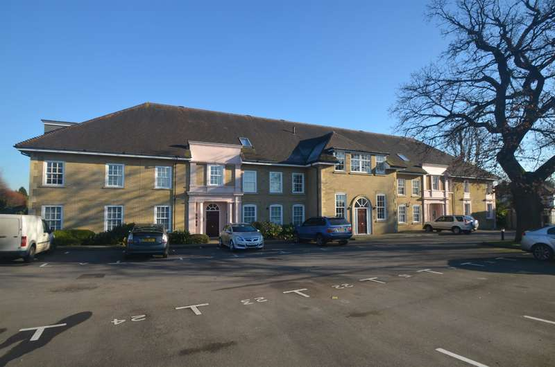 2 Bedrooms Apartment Flat for sale in Holmewood House, Brighton Road, Banstead, SM7 1AF