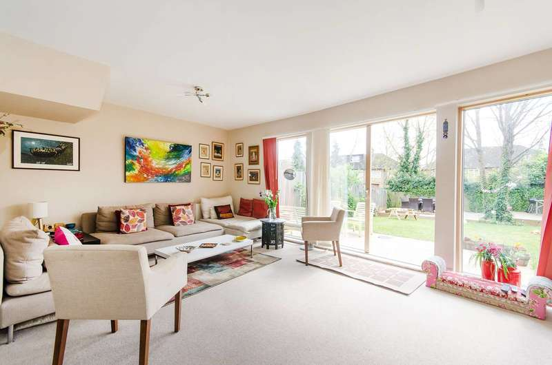 3 Bedrooms Terraced House for sale in Sovereign Place, Harrow, HA1