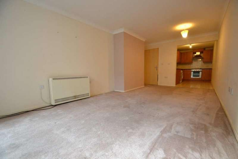 2 Bedrooms Flat for sale in Creswell Court, Stanwell, TW19