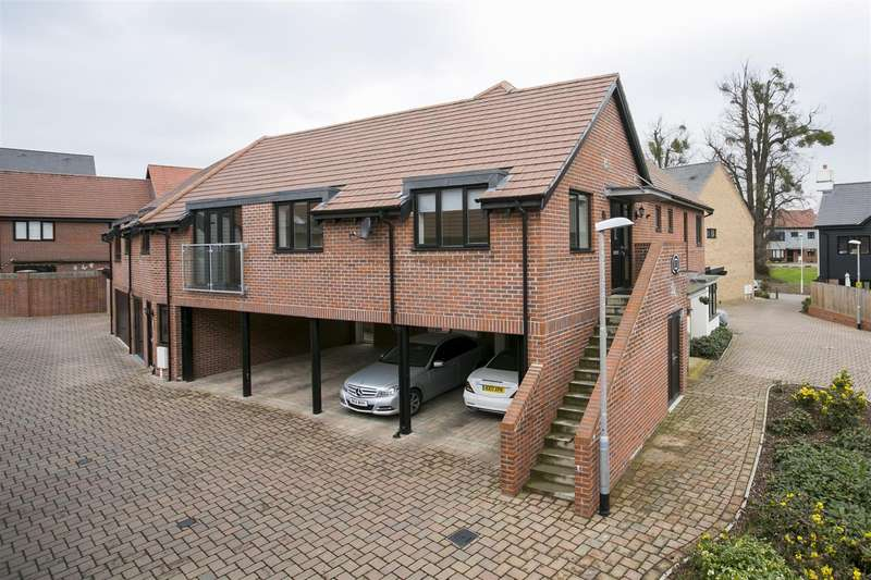 2 Bedrooms Property for sale in Bluegown Avenue, Leybourne, West Malling