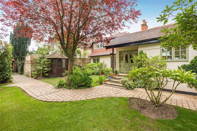 3 Bedrooms House for sale in Cavendish Road, Weybridge, Surrey, KT13