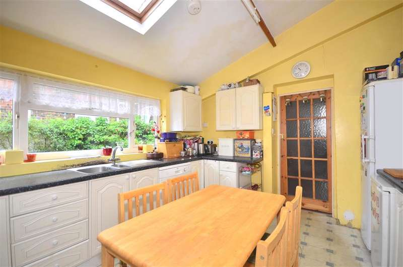 5 Bedrooms End Of Terrace House for sale in Melville Street, Sandown, Isle of Wight