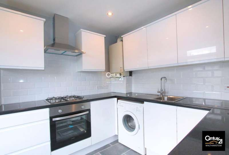 2 Bedrooms Flat for sale in Upper Flat 76A Boundary Road, London E17