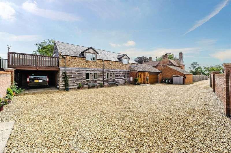 3 Bedrooms Unique Property for sale in Hunts Farm Close, Saham Toney, Thetford, Norfolk, IP25