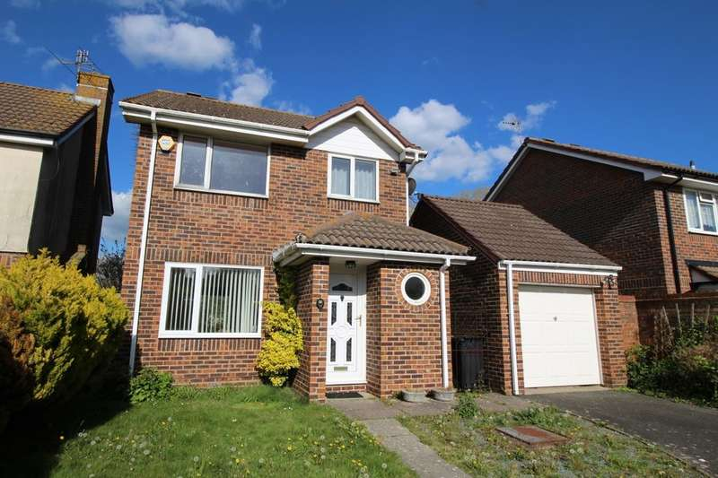 3 Bedrooms Detached House for sale in Hambleton Close, Eastbourne, BN23